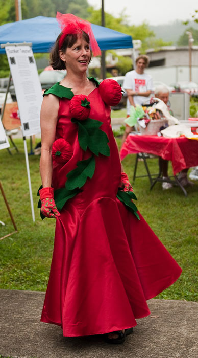 Terry Ellen Carter at the EastMont Tomato Festival